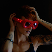 LED LUNETTES PARTY EN PELUCHE ROUGE